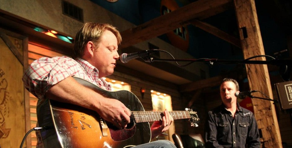 Pat Green delights sold-out crowd